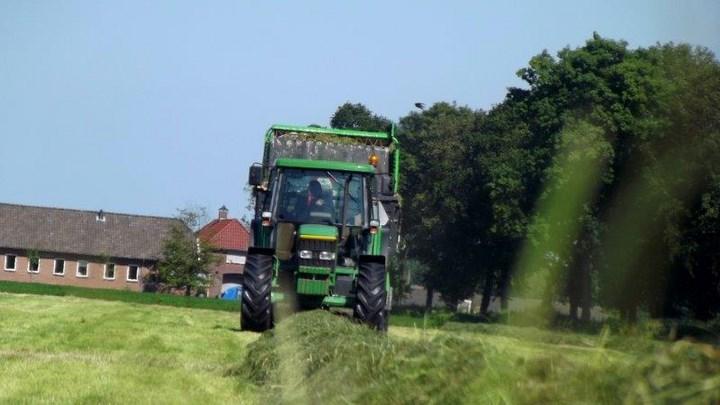 Gras inkuilen Overijssel Agrifoto